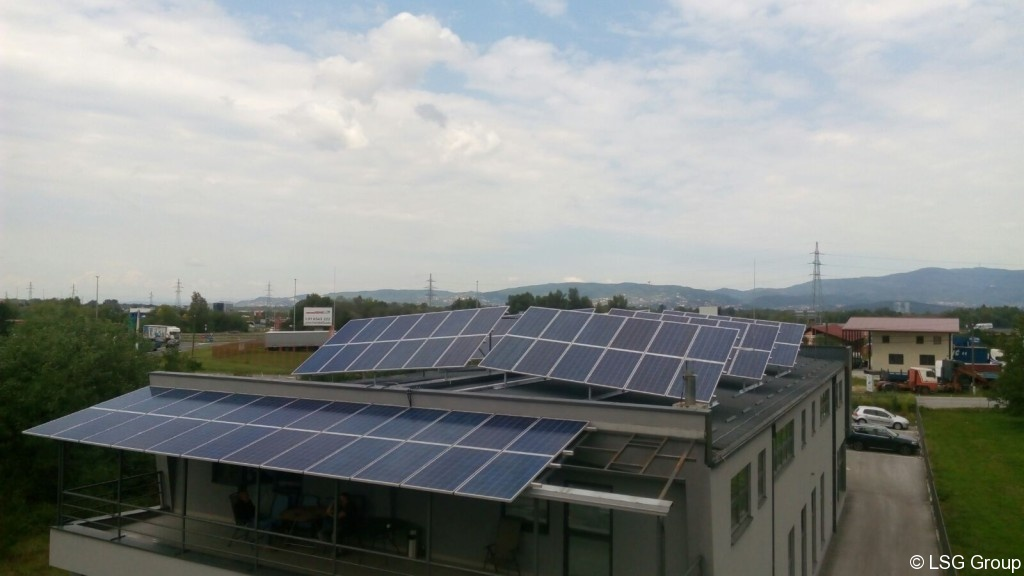 Solar Powered Office Buildings : Solar power plant on the roof of lsg office building